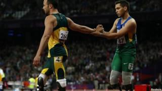 Alan Fonteles e Oscar Pistorius nos Jogos de Londres / Crédito: Reuters