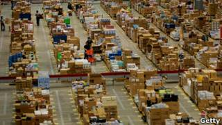 Centro de distribución de Amazon (Archivo)