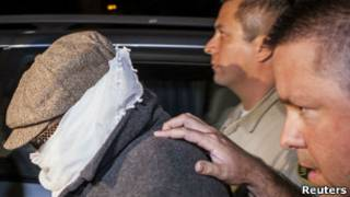 Накула Басели Накула перед допросом в полиции
