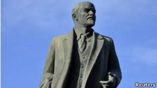 Памятник Ленину в Улан-Баторе