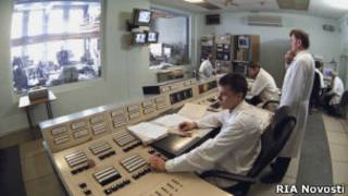 Пульт управления исследовательским ядерным реактором в МИФИ