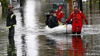 अमरीका में सैंडी तूफ़ान का बचाव कार्य