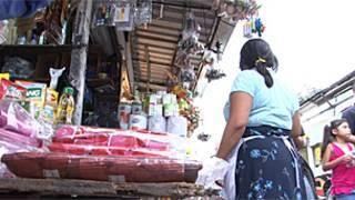 Mujer en El Salvador