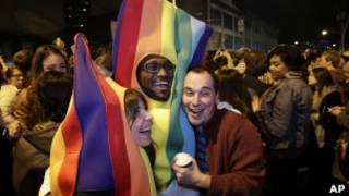 Activistas gay celebran resultado del referendo