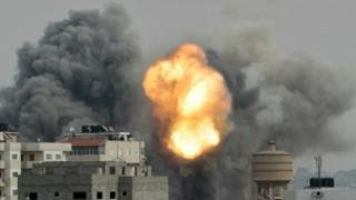 गज़ा में इसराइली की बमबारी