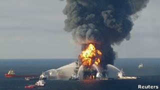 Пожар на платформе Deepwater Horizon