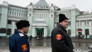 Казаки у Белорусского вокзала в Москве 27 ноября 2012 года
