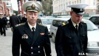 Капитан подлодки Дмитрий Лаврентьев и матрос Дмитрий Гробов