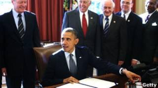 """Обама подписывает """"закон Магнитского"""""""
