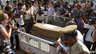 Гроб с телом медсестры Жасинты Салданы доставили в Индию
