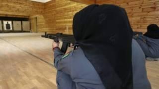 Hoton mata 'yan sanda a Afghanistan