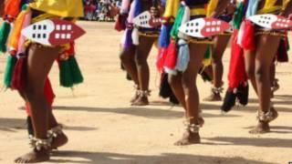 Matan Swaziland yayin wani bikin gargajiya