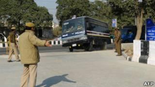 Автофургон для перевозки заключенных в Дели 10 января