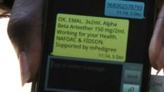 Celular con mensaje de texto de mPedigree