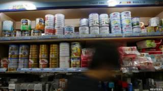 香港商铺奶粉货架