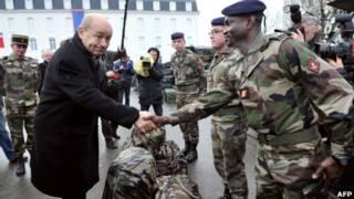 وزير الدفاع الفرنسي لوران جان ايف لودريان