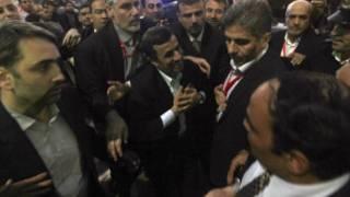 أحمدي نجاد في الحسين