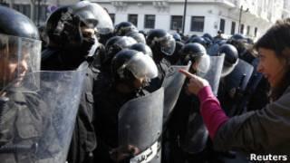 Столкновения в Тунисе