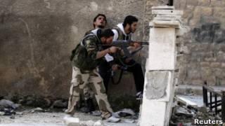 Suriyel'de isyancılar (arşiv)