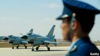 中國殲十戰機