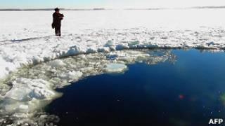 Полынья на озере Чебаркуль (15 февраля 2013 года)