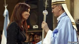 Cristina e Bergoglio em foto de arquivo (Reuters)