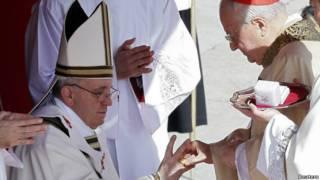 पोप फ्रांसिस ने कैथोलिक चर्च के प्रमुख के तौर पर अपनी जिम्मेदारियां संभाल ली हैं