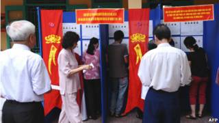 Người Việt Nam đi bỏ phiếu