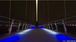 इनफिनीटी ब्रिज
