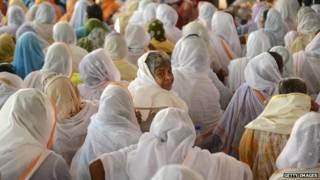 वृंदावन में हजारों विधवाएं दयनीय स्थिति में जी रही हैं
