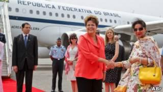 Dilma Rousseff desembarca em Nova Délhi em março de 2012 (foto: Roberto Stuckert Filho / Agência Brasil)