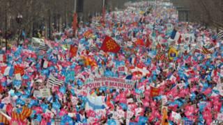 Biểu tình phản đối hôn nhân đồng giới ở Paris