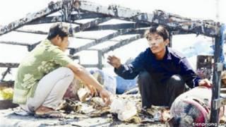 Hai ngư dân trên cabin bị cháy rụi