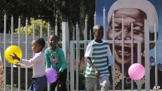 Retrato de Nelson Mandela em Soweto
