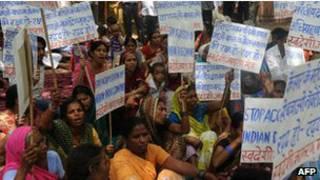 Protesto na Índia por remédios genéricos. AFP