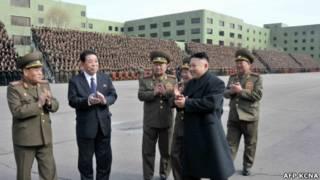 Lãnh đạo tối cao Bắc Hàn Kim Jong-un duyệt quân hôm 28/3