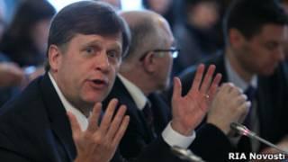 Майкл Макфол на заседании Общественной палаты по НКО