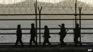 Soldados sul-coreanos na fronteira com o Norte (AP)
