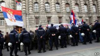 Демонстранты в Белграде