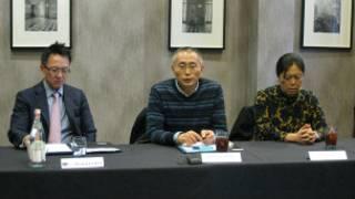 陳劉律師行高級合伙人陳寶光、張軒瑋的父親張忠進,母親朱健秀在發佈會上(攝影:子川)