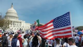 Manifestación de inmigrantes frente al Capitolio