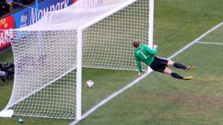 Neuer goal line