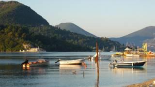 निदरी बीच, ग्रीस, पर्यटन, छुट्टियां