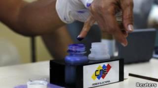Escola de votação (Foto Reuters)
