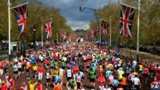 Участники лондонского марафона 2012