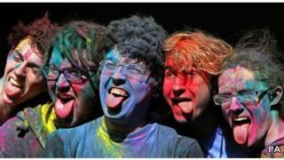 Язики в кольорі