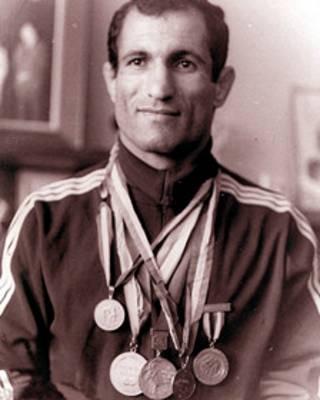 عبدالله موحد، قهرمان کشتی ایران و جهان