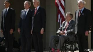 Barack Obama y cuatro expresidentes de Estados Unidos: George Bush, George W Bush, Jimmy Carter y Bill Clinton