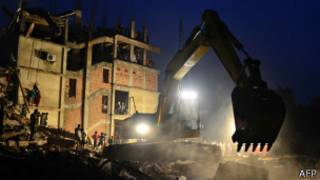 Развалины Rana Plaza в Дакке
