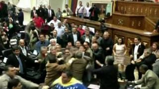 زدوخورد در پارلمان